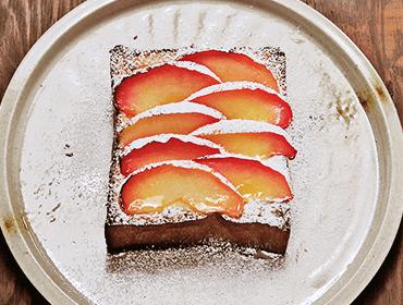 ナチュールのトーストランチ(りんごとクリームチーズトースト)